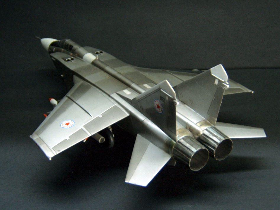朝鲜米格31战斗机_朝鲜空军 米格31战机 - MyChat 数位男女_塑胶模型